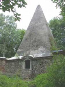 Pyramide in Rapa